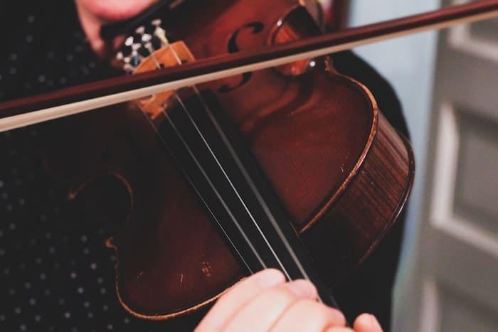 Best Violin Price in India - Beginners & Experts